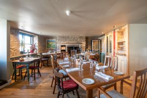 The Plough Inn, Restaurant, Bar and Accommodation, Melrose Bed and Breakfast