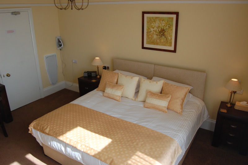 The Robin Hill, Torquay Bed and Breakfast