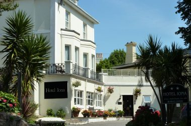 The Iona, Torquay Bed and Breakfast